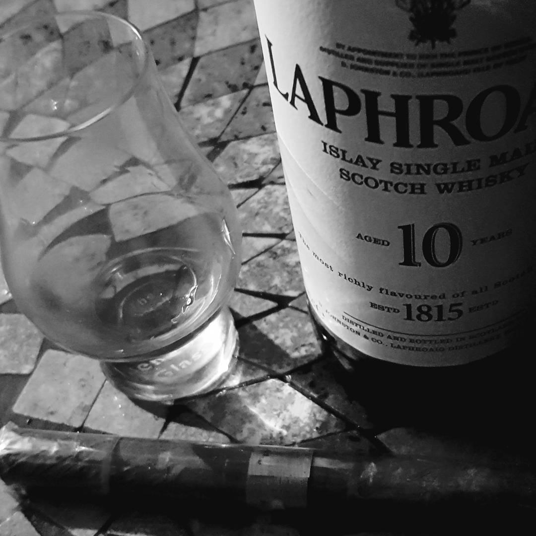 Laphroaig 10 Jahre Islay Single Malt Scotch Whisky