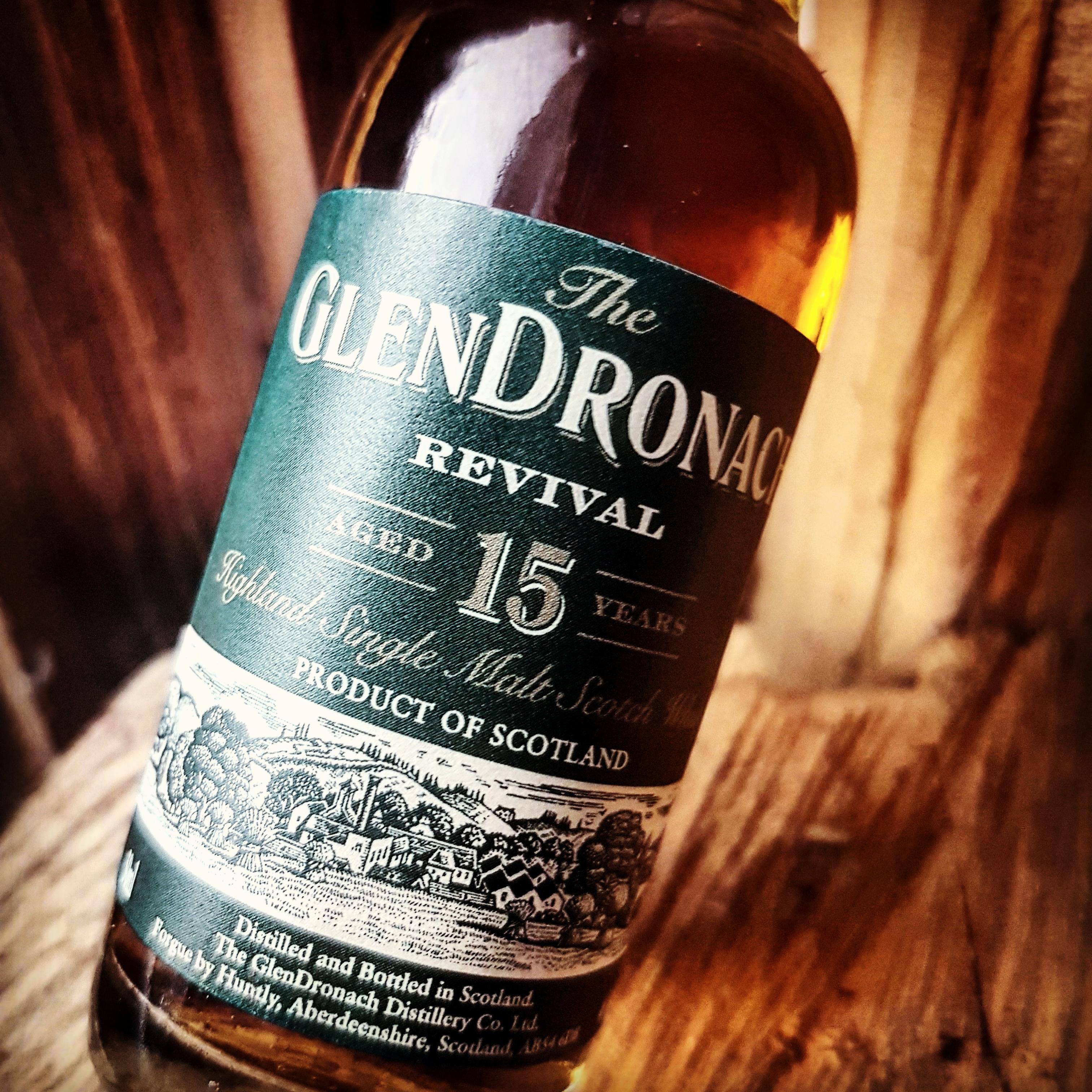 The GlenDronach Revival 15 Jahre Highland Single Malt Scotch Whisky