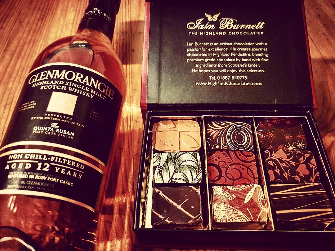 Glenmorangie 12 Jahre Quinta Ruban Highland Single Malt Scotch Whisky mit Iain Burnett Schokolade