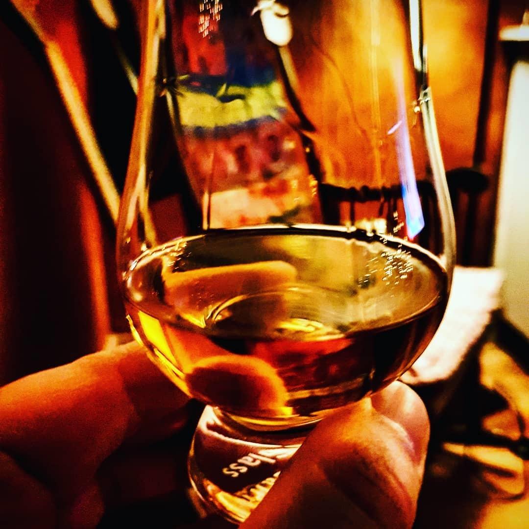 Whisky in einem Glencairn Glas